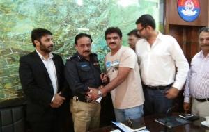 meet-sultan-ali-DIG-East-Sindh-Police-(3)