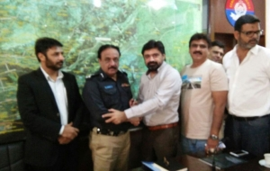 meet-sultan-ali-DIG-East-Sindh-Police-(5)
