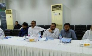 Meeting-Naveed-Elahi-Shaikh-Director-Consumer-Affairs-NEPRA(6)