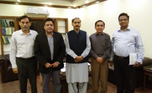 Meeting-Secretary-Local-Govt-Sindh-DG-SBCA-MD-KW-SB-10-JUL-2018-01