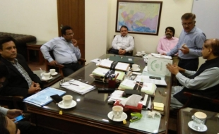 Meeting-Secretary-Local-Govt-Sindh-DG-SBCA-MD-KW-SB-10-JUL-2018-07