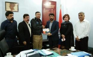 Meeting-with-Zulfiqar-Ali-Larik-DIG-East-SP-Khi-15-3-2018(2)