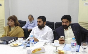meeting-with-delegation-ary(10)