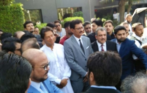 Imran-Khan-Chairman-PTI-ban-HighRise-buildings-25th-oct17-(19)