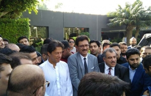 Imran-Khan-Chairman-PTI-ban-HighRise-buildings-25th-oct17-(20)