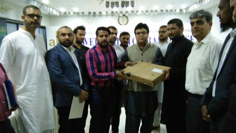 laptop-distribution-ceremony-abad-house-14th-july-2017(3)