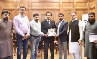 meet-Commissioner-Karachi-1-nov-2018-01