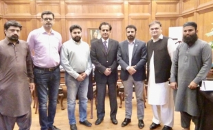 meet-Commissioner-Karachi-1-nov-2018-02