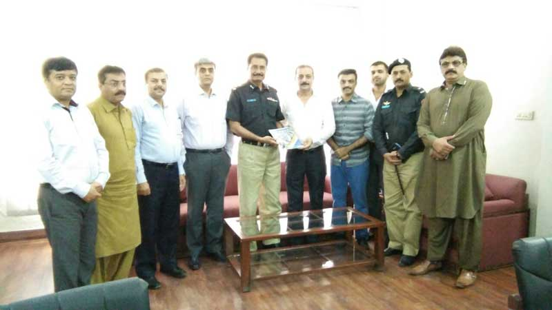 meeting-arif-hanif-DIG-East-Sindh-Police